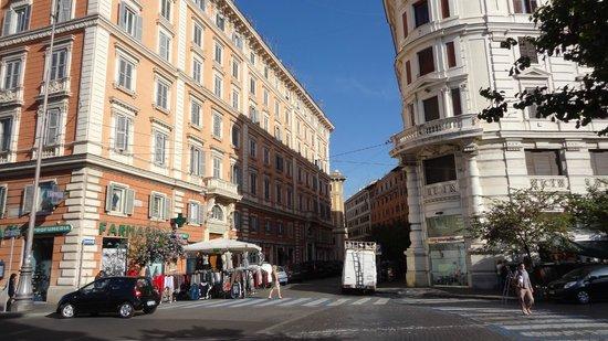 Le Suite di via Catone: il palazzo in cui si trova La Suite di via Catone