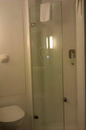 Ibis Murcia: ducha
