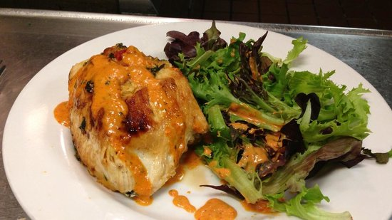 Monty's Restaurant and Pizzeria : Stuffed Chicken Breast