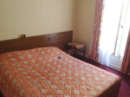 Hotel du Roi Rene : Спать вполне комфортно
