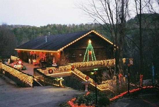 Eureka Springs Hideaway: The Hideaway Christmas time