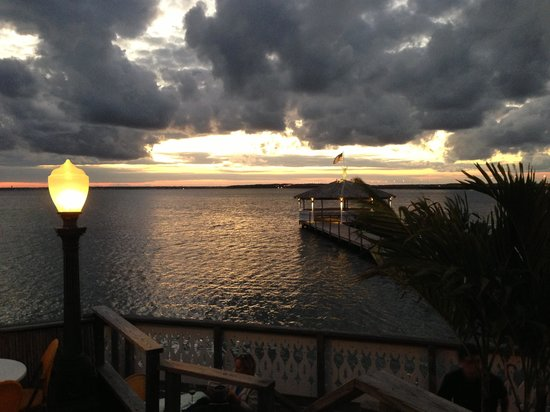Fager's Island Restaurant & Bar : Sunset at Fagers late Sept