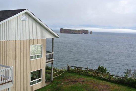 Hotel-Motel La Cote Surprise: Côte Surprise Vue sur le rocher Percé