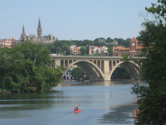 Theodore Roosevelt Island Park: TR Island: View of Key Bridge (Georgetown)