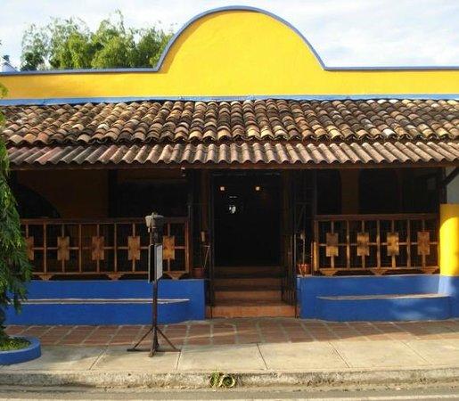 restaurante Boca chica: Por fuera