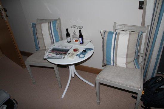 Docharn Lodge Guest House: Aufmerksamkeit zum Empfang im Zimmer