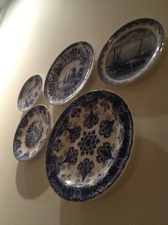 Conservatorium Hotel: The Delft pottery plates