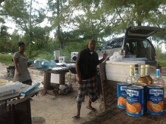 Island Seas Resort: Chef Bernie and wife