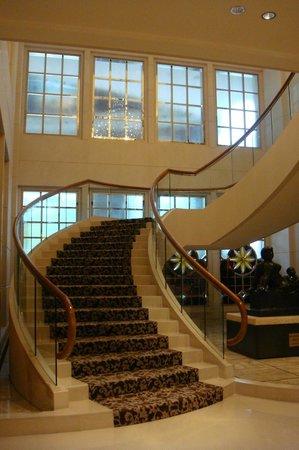The St. Regis Singapore : Lobby