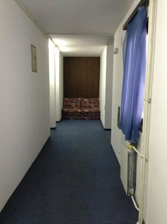 Hotel Bisevo decor, or lack thereof
