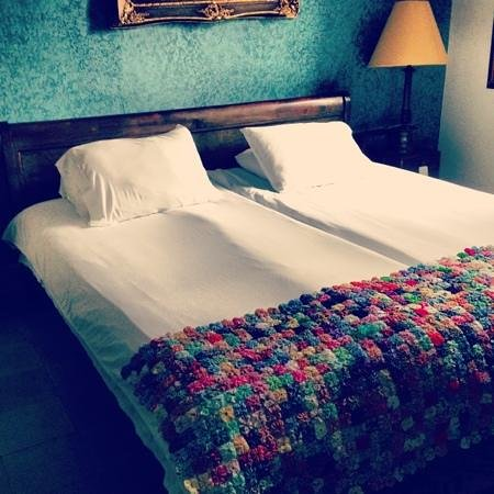 Hotel Mariscal Robledo : one of the biggest rooms