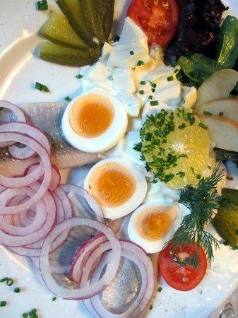 Falken Restaurant: Matjes Plate