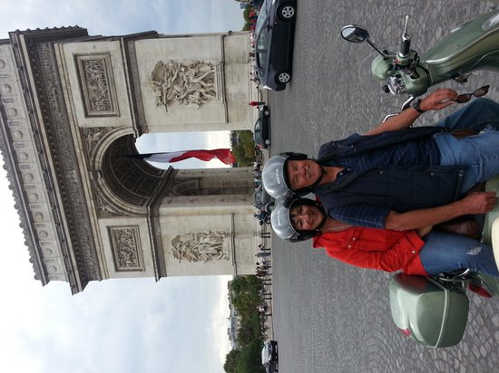 Paris by Scooter: We couldnt take the smile off our faces.
