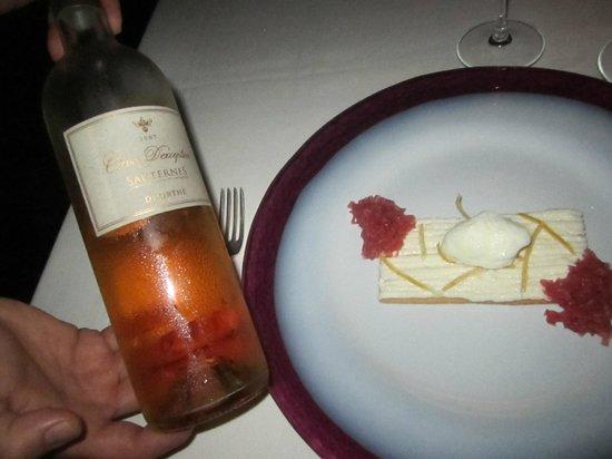 Don Geppi: Sauterne and biscuit