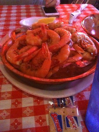 Catfish Charlie's: Bowl of peel-n-eat shrimp!