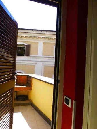 Fellini Inn Rome: Our little balcony