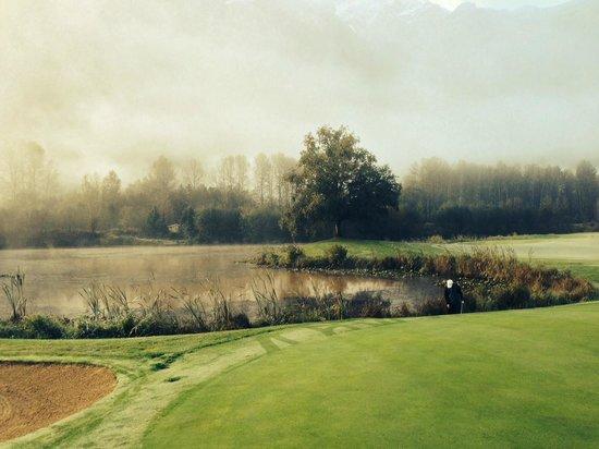 Big Sky Golf Club: Big Sky Golf Course green and water hazard