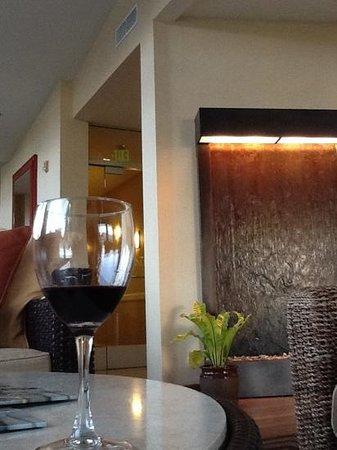 Elan Hotel : queijos e vinho do hotel