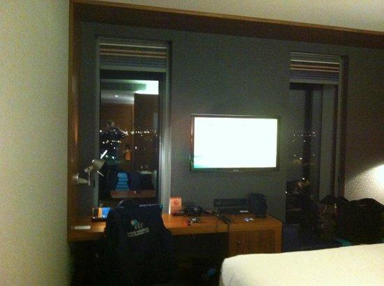 Aloft London Excel : The room