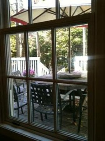 Snow Goose Inn: A view on the garden patio