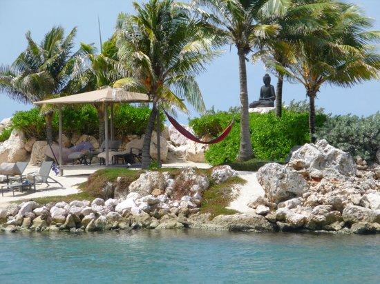 Baoase Luxury Resort: Playa