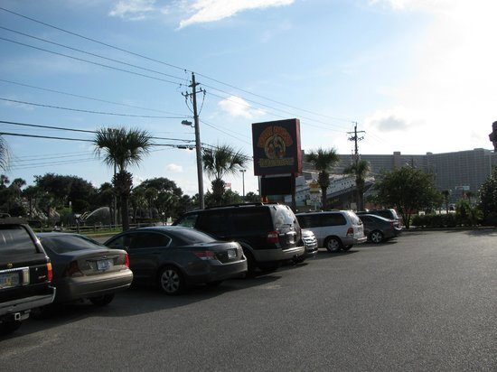 Dirty Dick's Crab House: Exterior
