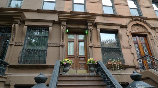 Harlem Grand: vista dalla strada
