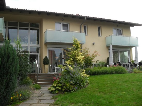 Hotel Toscanina: Front area