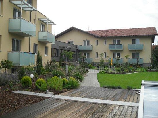 Hotel Toscanina: Wonderful Landscaping