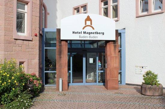 Hotel Magnetberg Baden-Baden: Hotel entrance