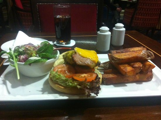 O'Callaghan Mont Clare Hotel: Great burger (I like food)