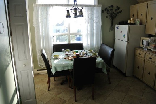 Pétales de Rose : Cuisine pour le petit déjeuner des hôtes