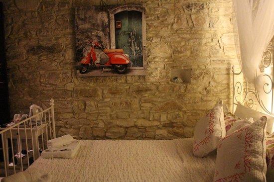 Stratos ArtDeco House : room