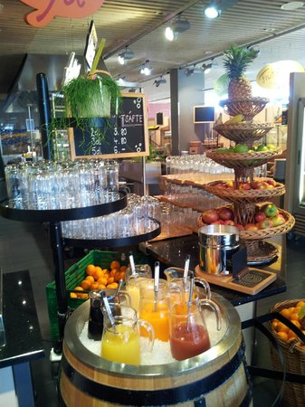 GZI Seminar and Conference Hotel: breakfast fruit platter n juices
