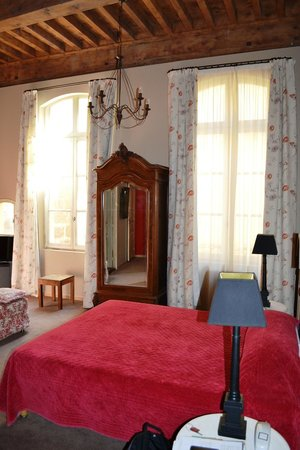Hotel De L'Amphitheatre : Bedroom
