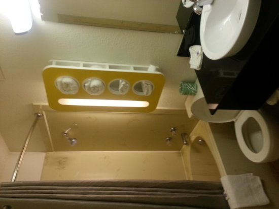 Motel 6 Arkadelphia : Bathroom