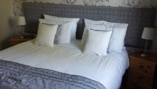 Tigh-a-Ghlinne: third bedroom....available with detached bathroom across hall