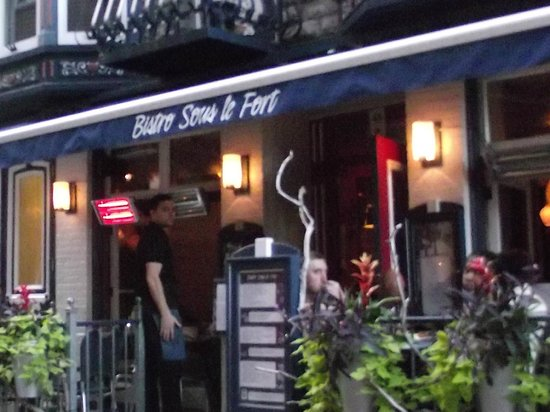 Bistro Sous le Fort: this waiter went above and beyond...Merci