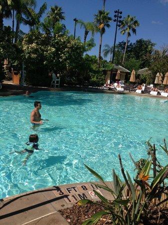 Loews Royal Pacific Resort at Universal Orlando: pileta