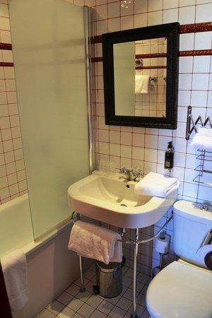 Hotel Montmorency : Bathroom