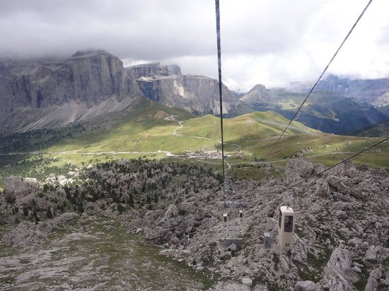 Telecabin Forcella del Sassolungo: panorama pendant la montée