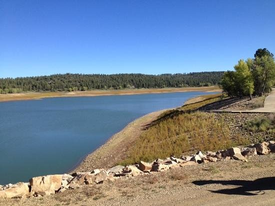 Majestic Dude Ranch: lake only 300 yards away
