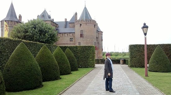 Kasteel Muiderslot : Jardim do castelo