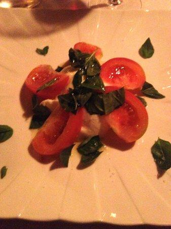 Il Gabbiano: caprese salad