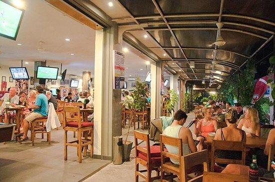 Adrenalin Sports Bar: Balcony 2