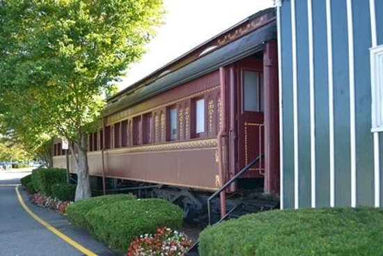 The Madison Hotel: Antique dining car, feature of hotel steak house restaurant