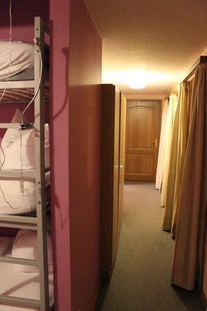 Hotel Fantasia : Hallway en suite to Master suite room
