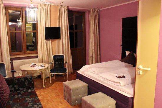 Hotel Fantasia : Master bedroom