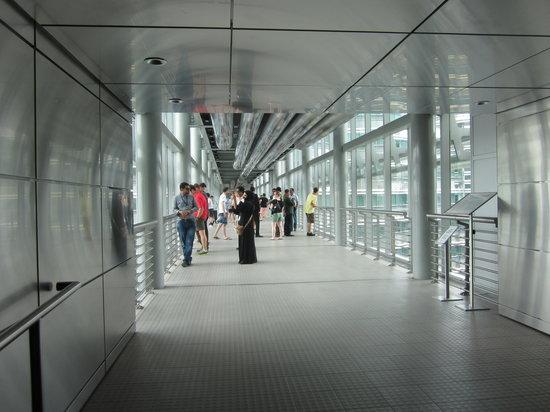 ตึกแฝดเปโตรนาส: Petronas Twin Towers