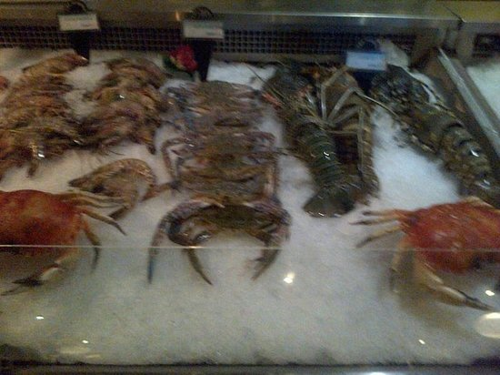 The Marina: Seafood Selection Counter